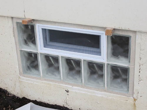 Basement windows with glass blocks glass block basement for Block basement
